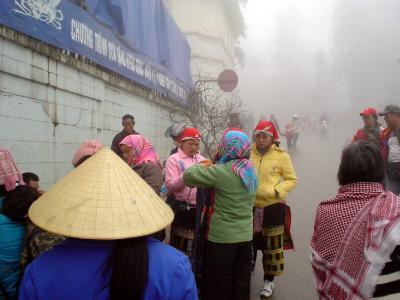 冬のサパ2: 霧と寒波に閉ざされた 「少数民族の里」