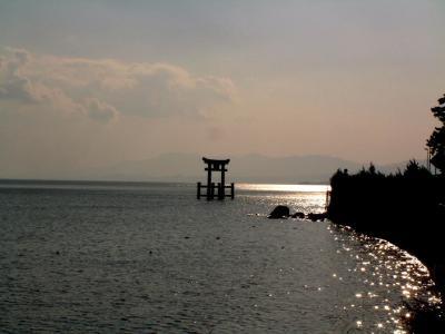 白鬚神社大鳥居と琵琶湖