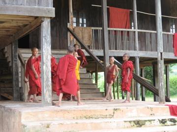 ミャンマー旅行記(3)-トレッキング第2日目 Ywapu(ワプ)~Titain-