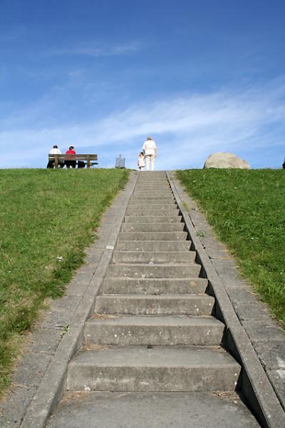 階段を上って行くと、そこは・・・