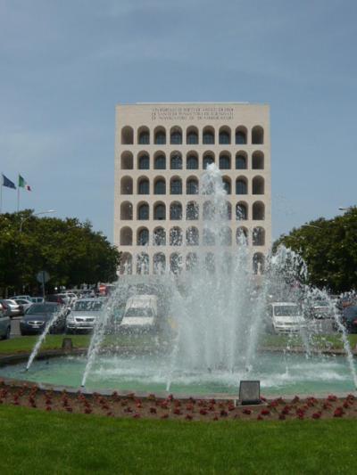 一味違うローマ・ムッソリーニによって作られた街EUR