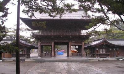 新潟、越後総社・白山神社。