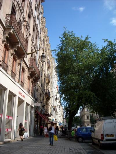 ソルドが始まったリヨンと周辺の街(2日目6月27日)