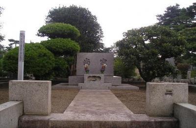 多摩の夏。「墓地の盆」