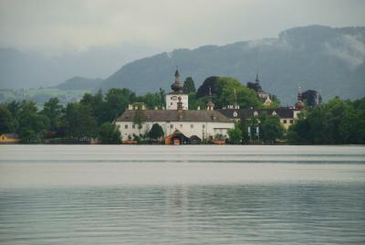 ザルツカンマーグート 湖水めぐりの旅(1)~陶器の町 グムンデン