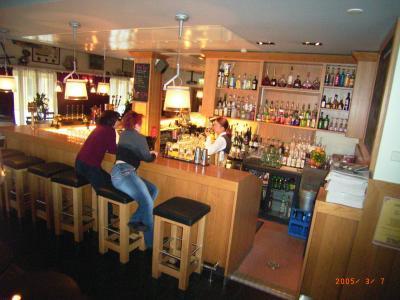 2005.2ストックホルム,フィンランド旅行7-オウル 由緒あるレストランとバー