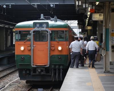 高崎駅のエスカレータにて衝撃映像!
