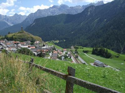 スイス・オーストリアでハイキングの旅【15】グアルダからアルデッツへ