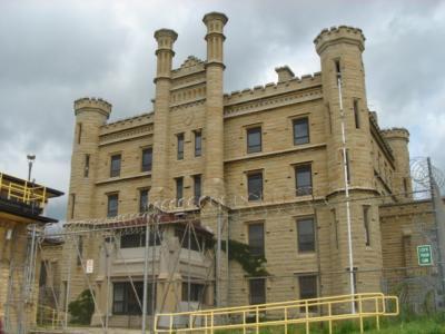 アメリカ・ノースセントラル地区ドライブその11 プリズンブレイクのフォックスリバー刑務所と夜のシカゴ&シアーズタワー