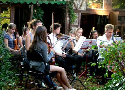 庭の中のコンサート(欧州文化遺産の日 その一)