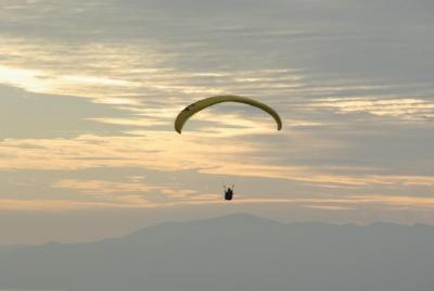 「近江路をゆく」秋の遠足気分~燃える琵琶湖の空~