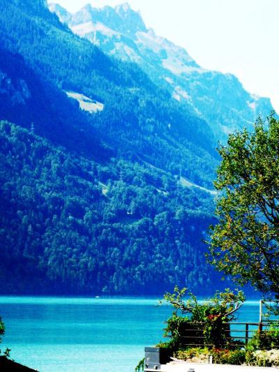 スイスGR81 湖畔の街*ブリエンツを散策 ☆木彫りの盛んな処で