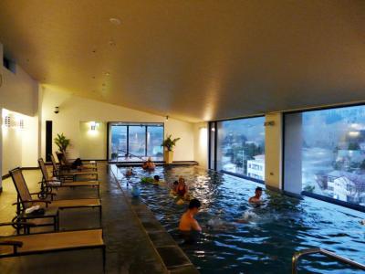 5.東急ハーヴェストクラブ箱根甲子園 最上階の温水プール 温泉大浴場 やまなみの湯