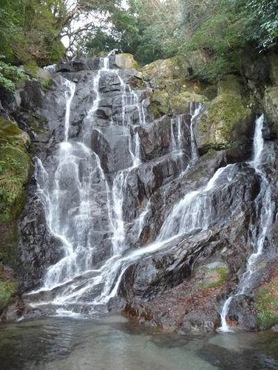 糸島市の山中にひっそりと...『白糸の滝』◆2008最後の旅行は九州の滝めぐり【その9】