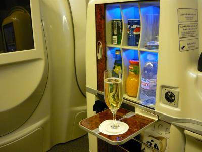 エミレーツ航空 ファーストクラス コロンボ-ドバイ線