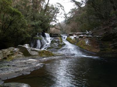 2009滝はじめは熊本・大分? 滝メグラーが行く7 日本の滝百選・四十三万滝 熊本県菊池市