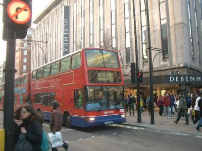 Oxford Street の喧騒が好き
