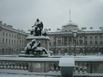 雪の Somerset House