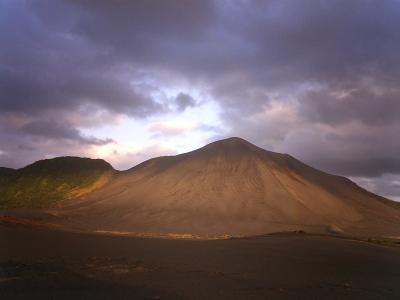 2007 バヌアツ共和国 タンナ島 世界で一番火口に近づくことのできるヤスール火山