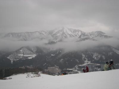 Japan 石打丸山でスノボー