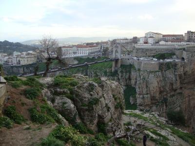 崖の町コンスタンティーヌと郊外にある「ティディス遺跡」を訪れる