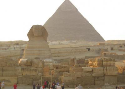 ピラミッド1日観光