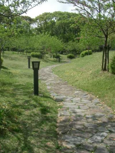 藤田邸跡公園でのんびりと静かさを楽しむ