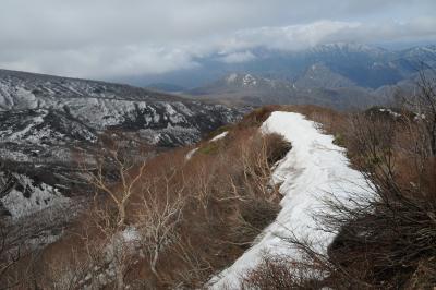 那須(2) 隠居倉を越えて熊見尾根へ