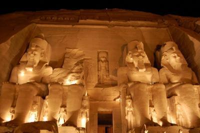 ファラオに会いたくて エジプト? アブシンベル神殿