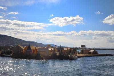 """超多忙なペルー周遊ツアー (第9弾 標高3890mの風光明媚な湖  """"Lago Titicaca """"  ティティカカ湖 遊覧してウロス浮島へ)"""