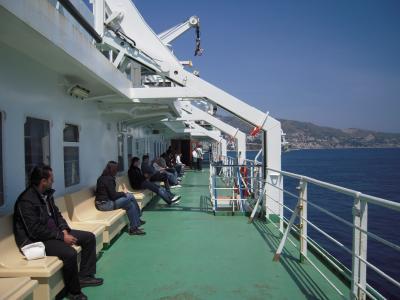 メッシーナ(Messina)海峡を列車ごと横断してナポリ(Napoli)へ