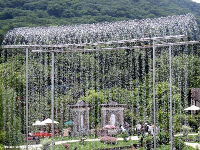 箱根:ガラスの森 きらめく風景