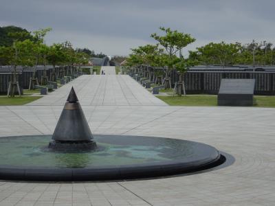 沖縄・摩文仁の丘(まぶにのおか)