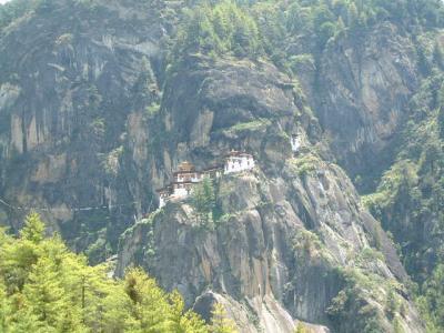 神秘の王国ブータンの旅No8・・・聖地タクツァン僧院