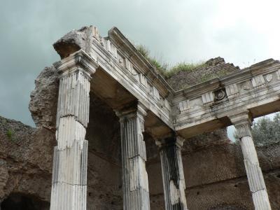 ハドリアヌスの別荘(ヴィッラ・アドリアーナ) その3 遺跡の建築群(大浴場、海の劇場、宮廷、黄金の間その他)