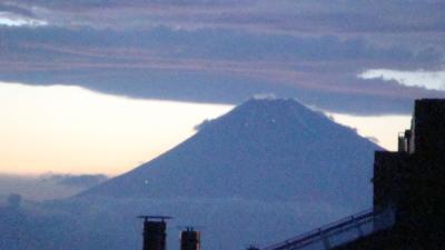 富士登山者の灯り