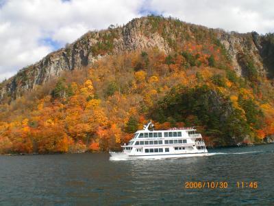 十和田湖の紅葉と奥入瀬渓流