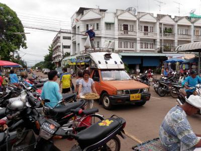 タイ東北部紀行2009.7 アムナートチャルーンからウボンへ