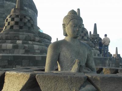 インドネシア旅行記@ジョグジャカルタ vol.2 ドロブドゥール寺院遺跡群(工事中)