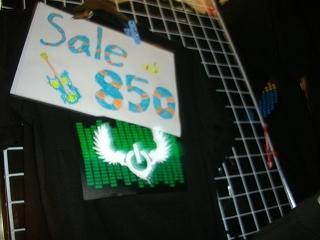 8土曜ルンピニ・ナイトバザールでドクター・フィッシュと光るTシャツ購入