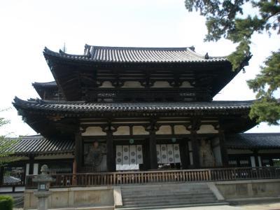 飛鳥時代の姿を現在に伝える世界最古の木造建築法隆寺参拝