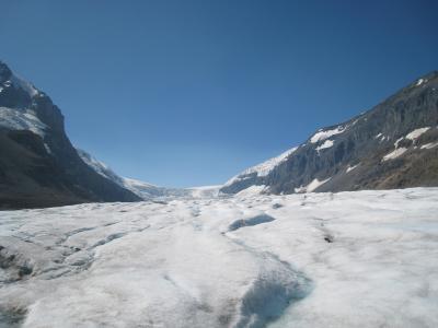 アイスブルーの世界(氷河ウォーク/Athabasca Glacier in Canada)