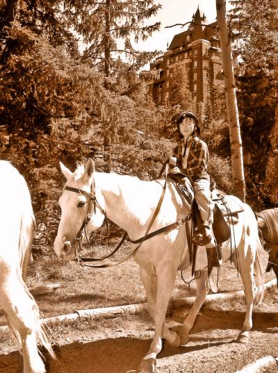 馬の背に揺られてバンフを散歩(Horseback Riding in Banff / Canada)/11才女子☆英語圏での乗馬に初挑戦!