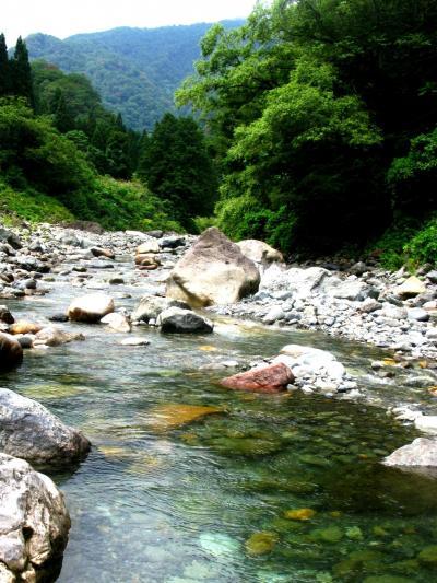 糸魚川市・ヒスイ峡を訪ねて ☆明神山の絶壁のもと