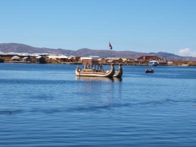 不思議の国ペルー(チチカカ湖へ)