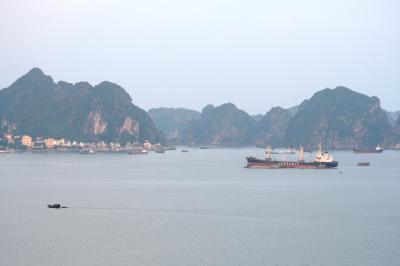 2009秋、ベトナム旅行記2(10):9月13日(5):ハロン湾の夕暮れ