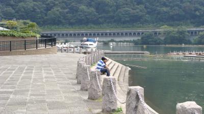 ゴンちゃん、相模湖公園を散歩する。