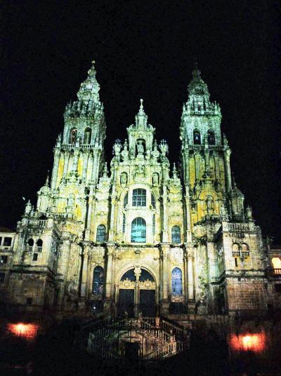ポルトガル縦断の旅の続き(14)巡礼の最終地サンティアゴ・デ・コンポスレーラのパラドールに泊まる。