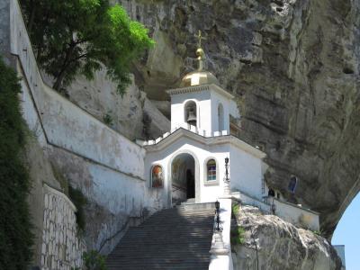 2009年ウクライナ旅行第5日目(2)クリミア半島:苔むした古いユダヤ人墓地&驚異の岩壁教会