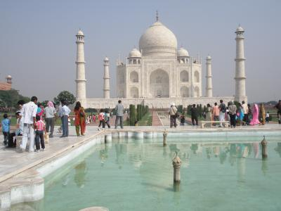 インド  まずはタージマハルを目指してアグラへ!